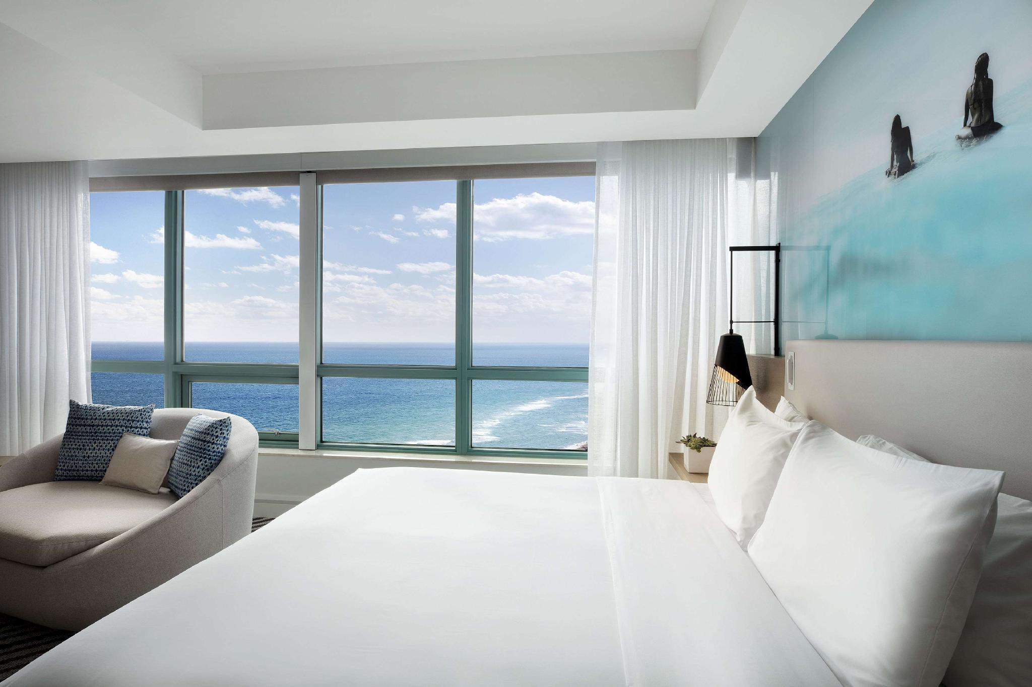 1 King Bed Penthouse - Oceanfront Balcony