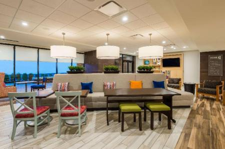 Lobby Home2 Suites by Hilton Buffalo Airport/Galleria Mall