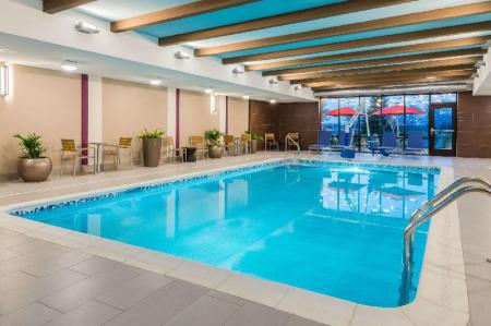 Swimming pool Home2 Suites by Hilton Buffalo Airport/Galleria Mall