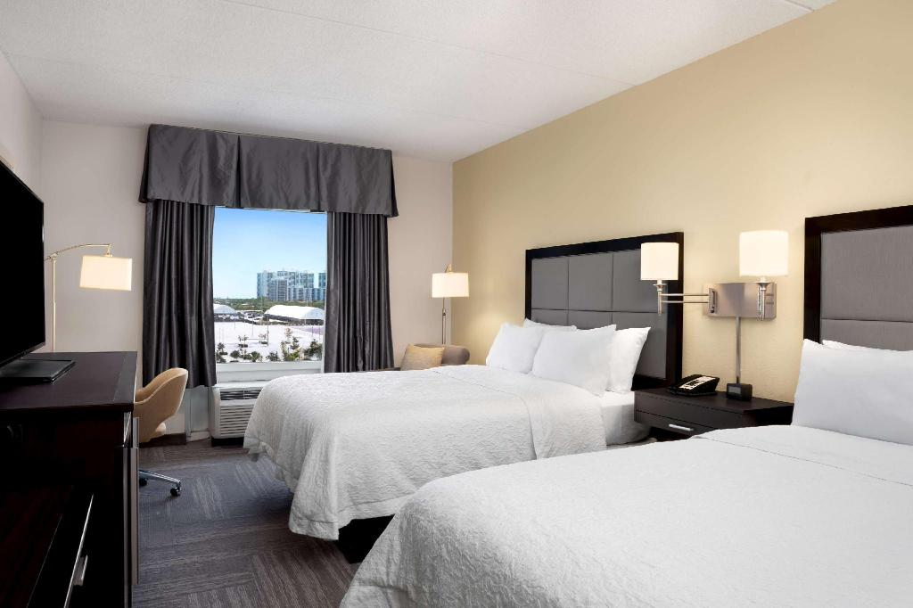2 Queen Beds Non-Smoking - Guestroom Hampton Inn Hallandale Beach Aventura