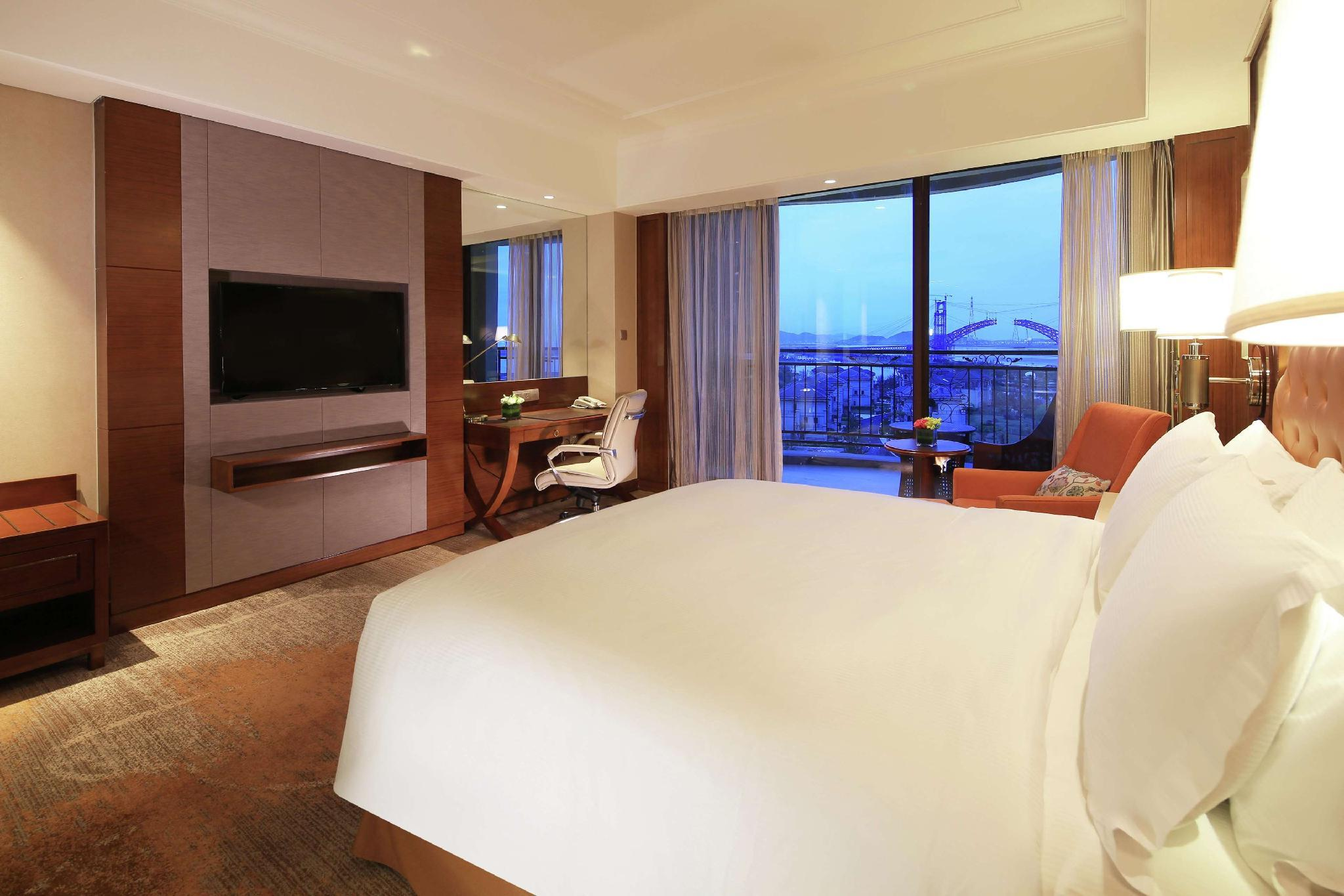 海景特大號床間 (King Guest Room Sea View)