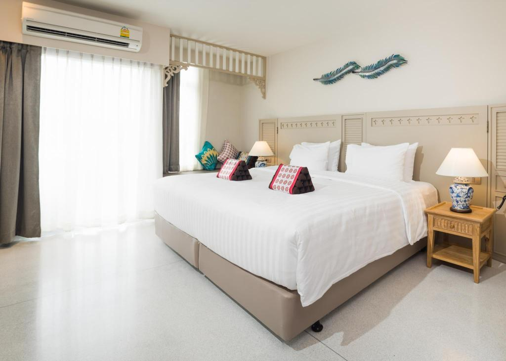 Deluxe Double Room - Bed Panphuree Residence