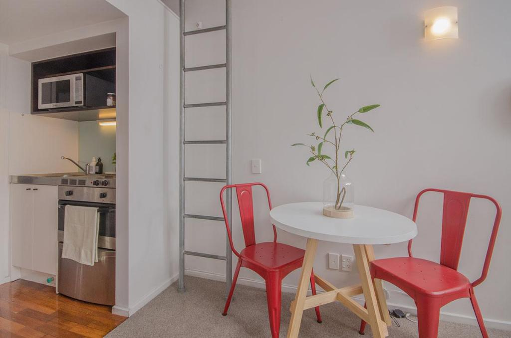 Dining room/area Stylish studio in the heart of Auckland City