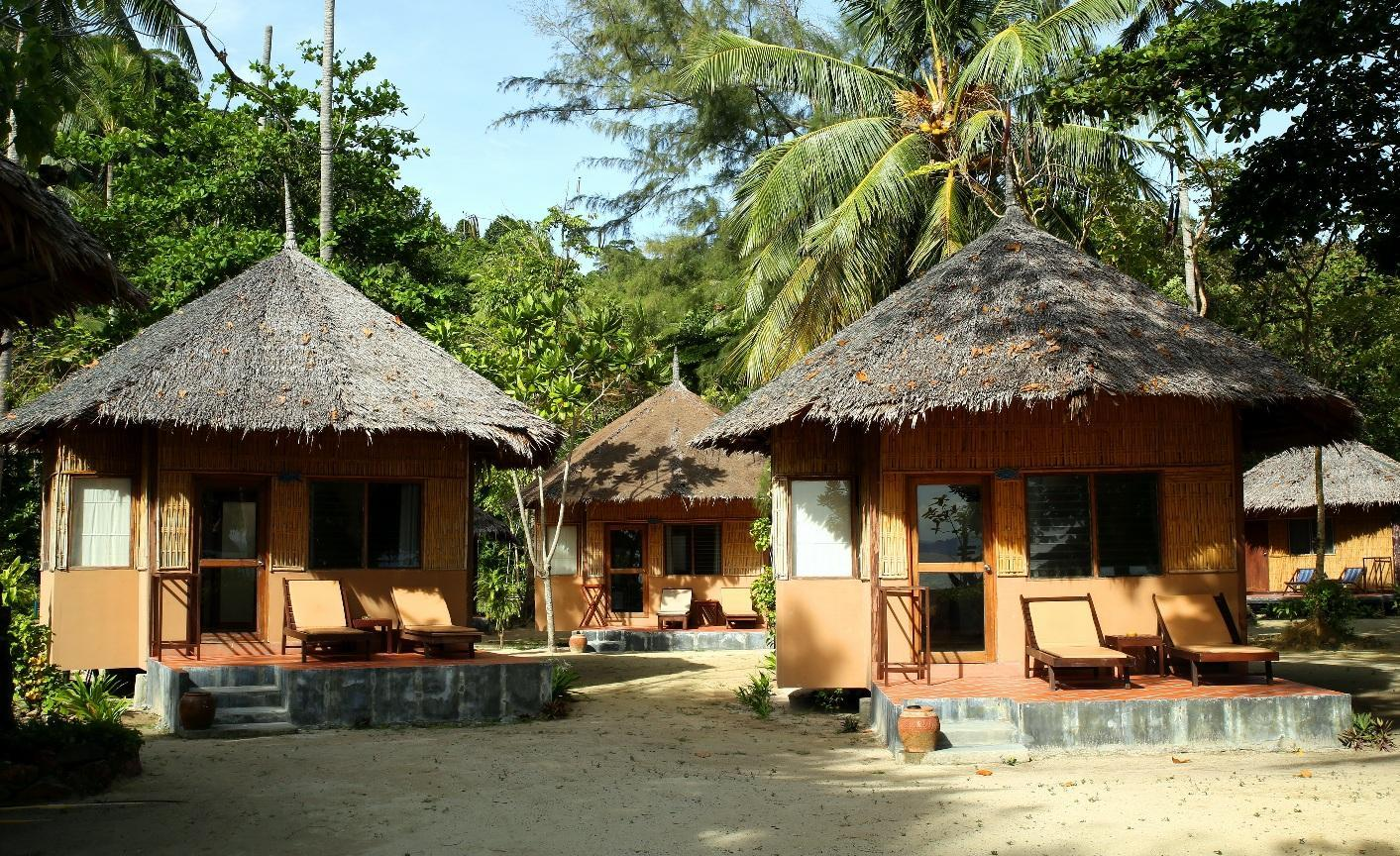 Bungalow mot stranden (Beachfront Bungalow )