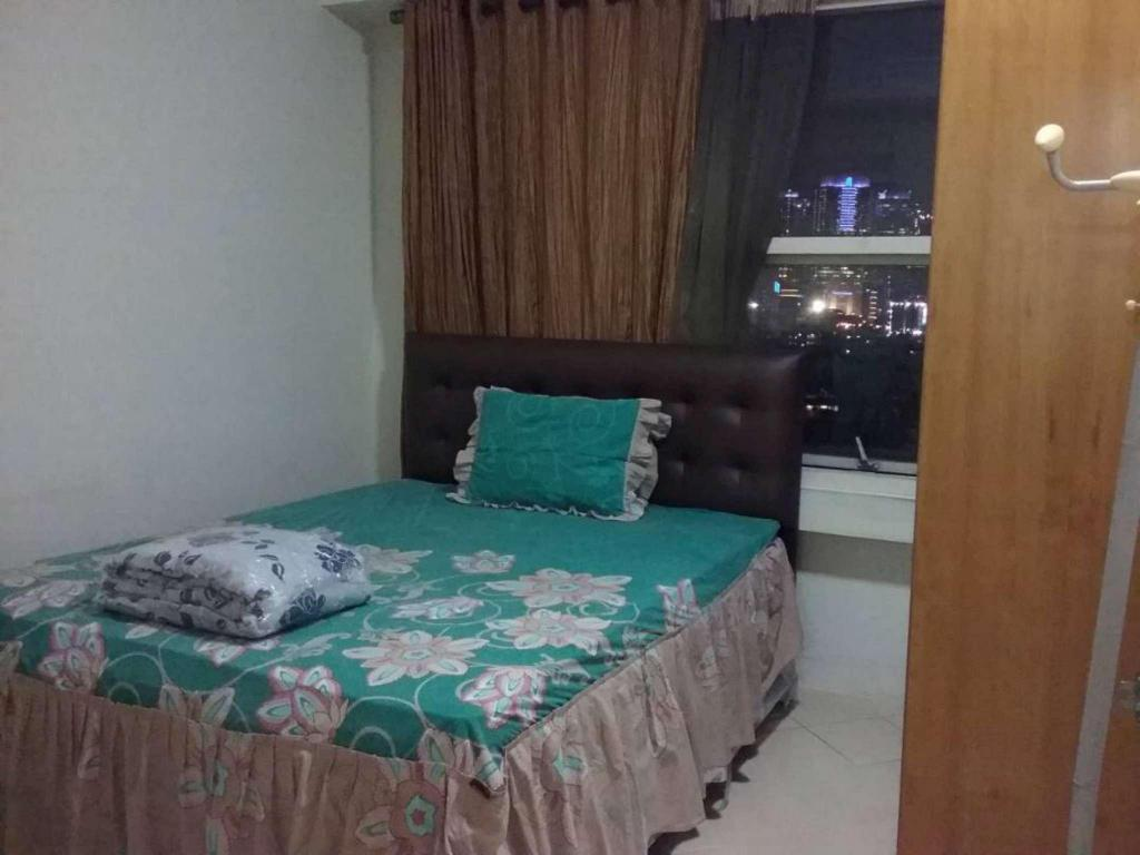 Bed 3 BR Unit 3 Apartment Batavia Benhill - Fatmawati