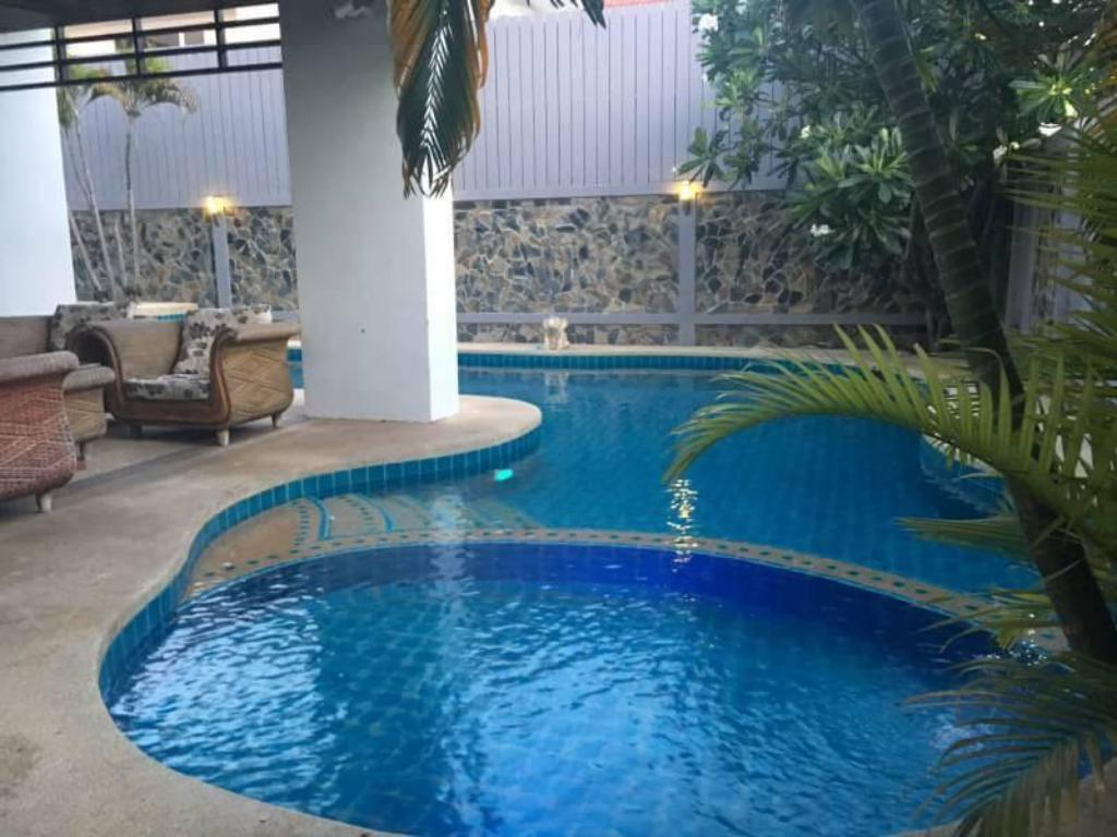 See all 16 photos Pattaya Jomtien Pool Villa