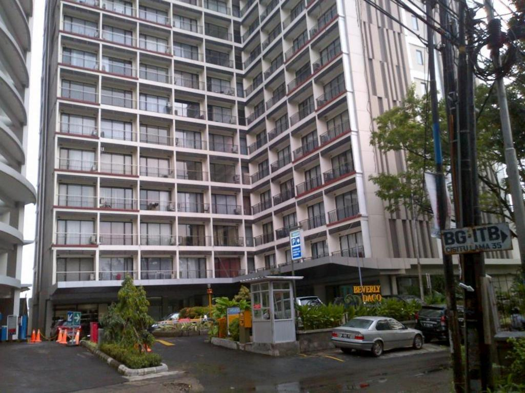1BR at Beverly Dago Apartment - Arenty