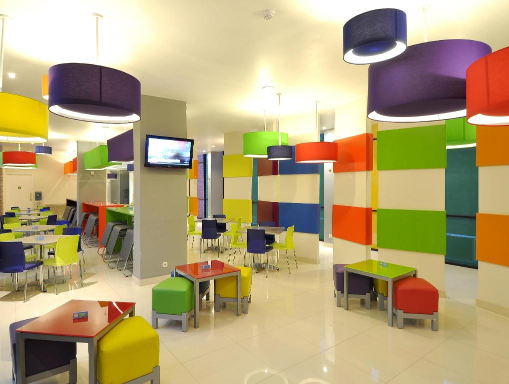 Foyer POP! Hotel Teuku Umar