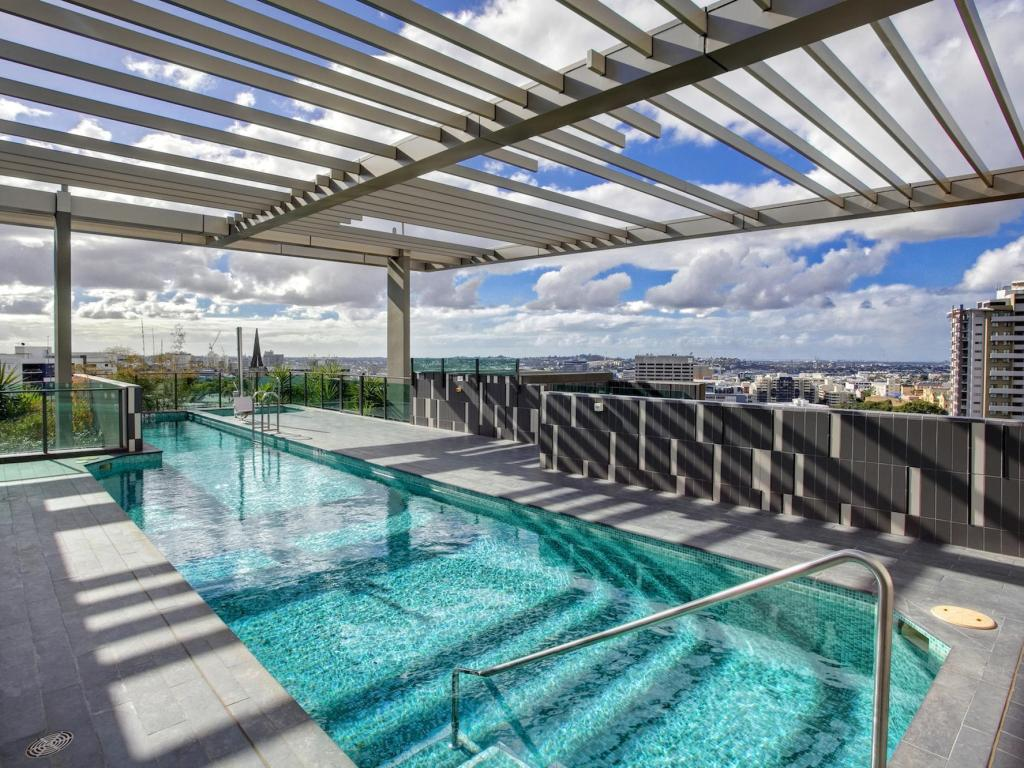Best price on quattro on astor apartments in brisbane reviews Swimming pools brisbane prices