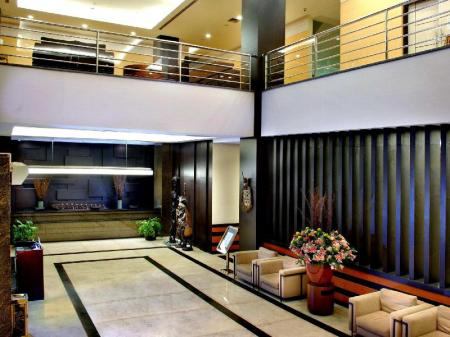 Lobi Aston Jayapura Hotel and Convention Center