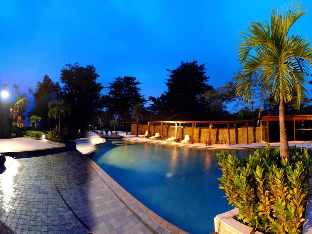 Book finna golf country club resort in trawas indonesia - Club mahindra kandaghat swimming pool ...