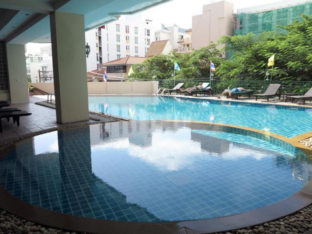 Mike Beach Resort Pattaya Hotel Deals