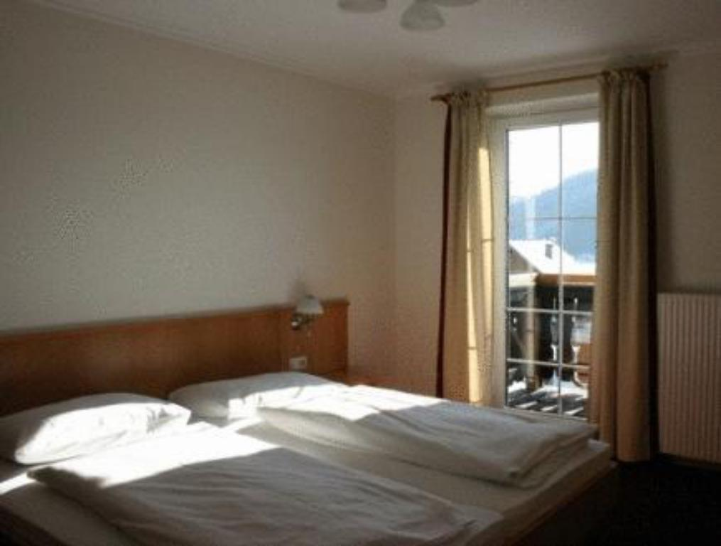 Single Room - Bed Hotel Gasthof zum Hirschen