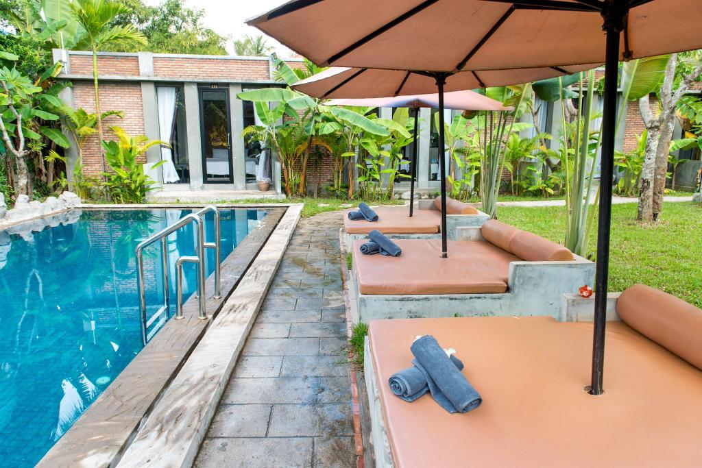 Swimming pool [outdoor] Maison Damnak