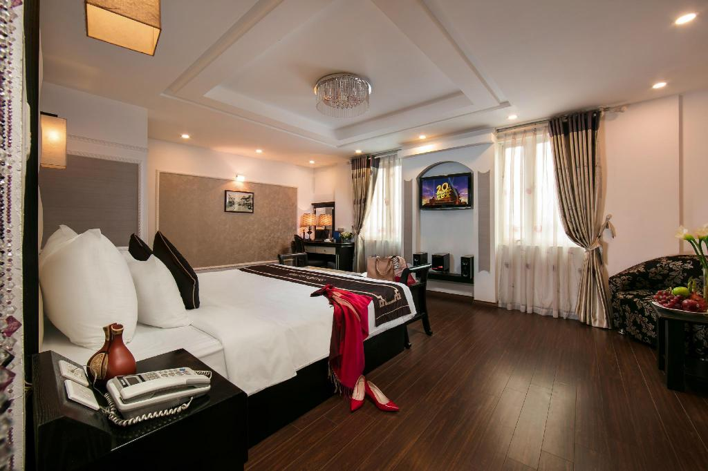 Suite room Hanoi Emotion Hotel