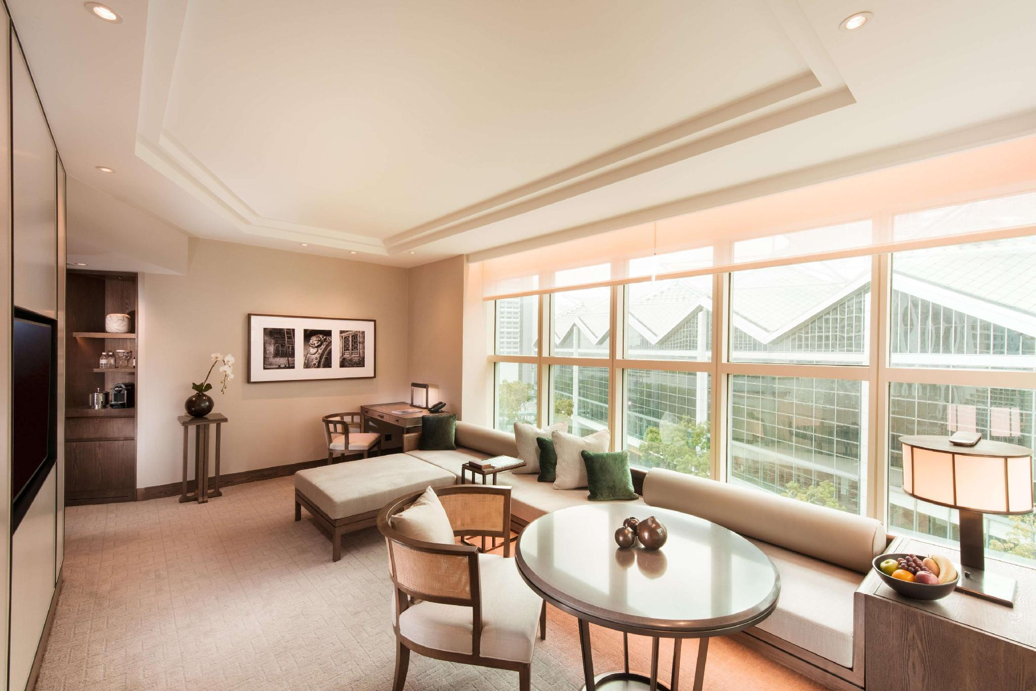 Centennial King Suite