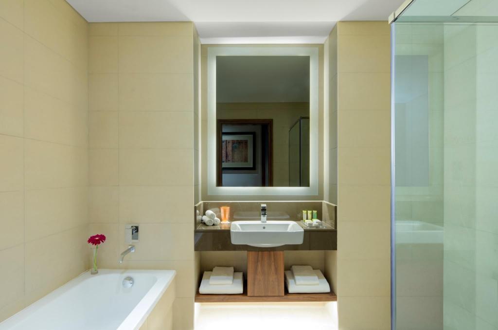 Crowne Plaza Muscat Ocec In Oman Room Deals Photos