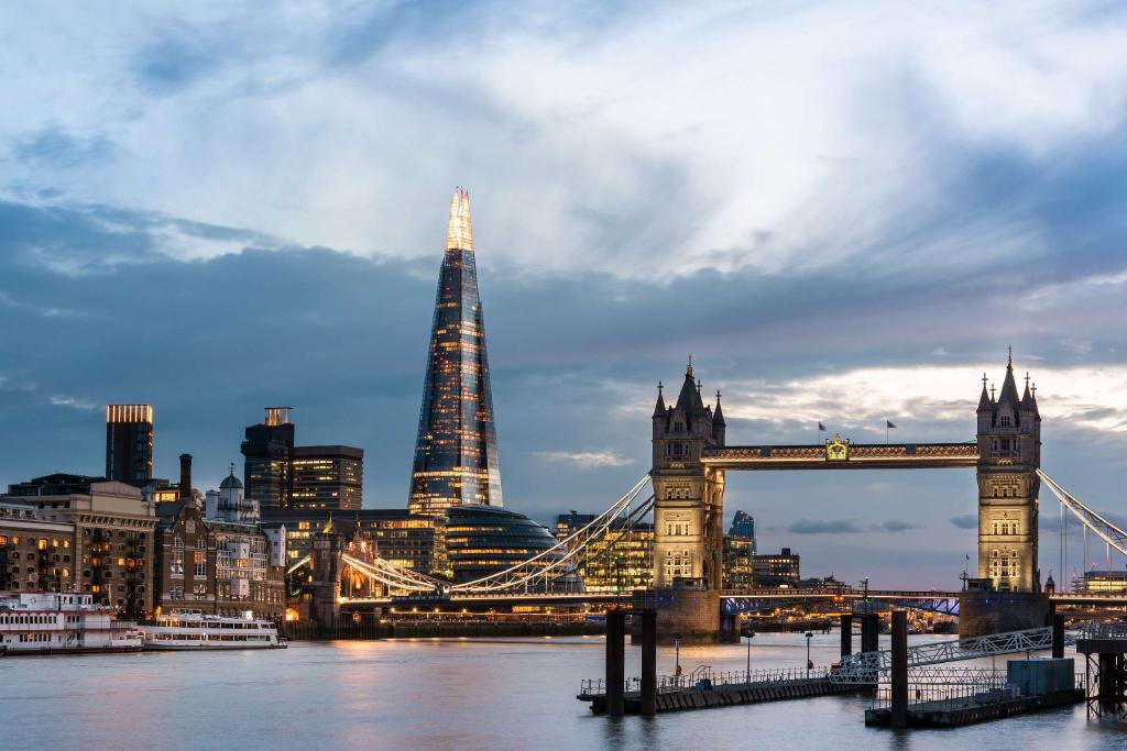 Shangri La Hotel At The Shard In London Room Deals Photos Reviews