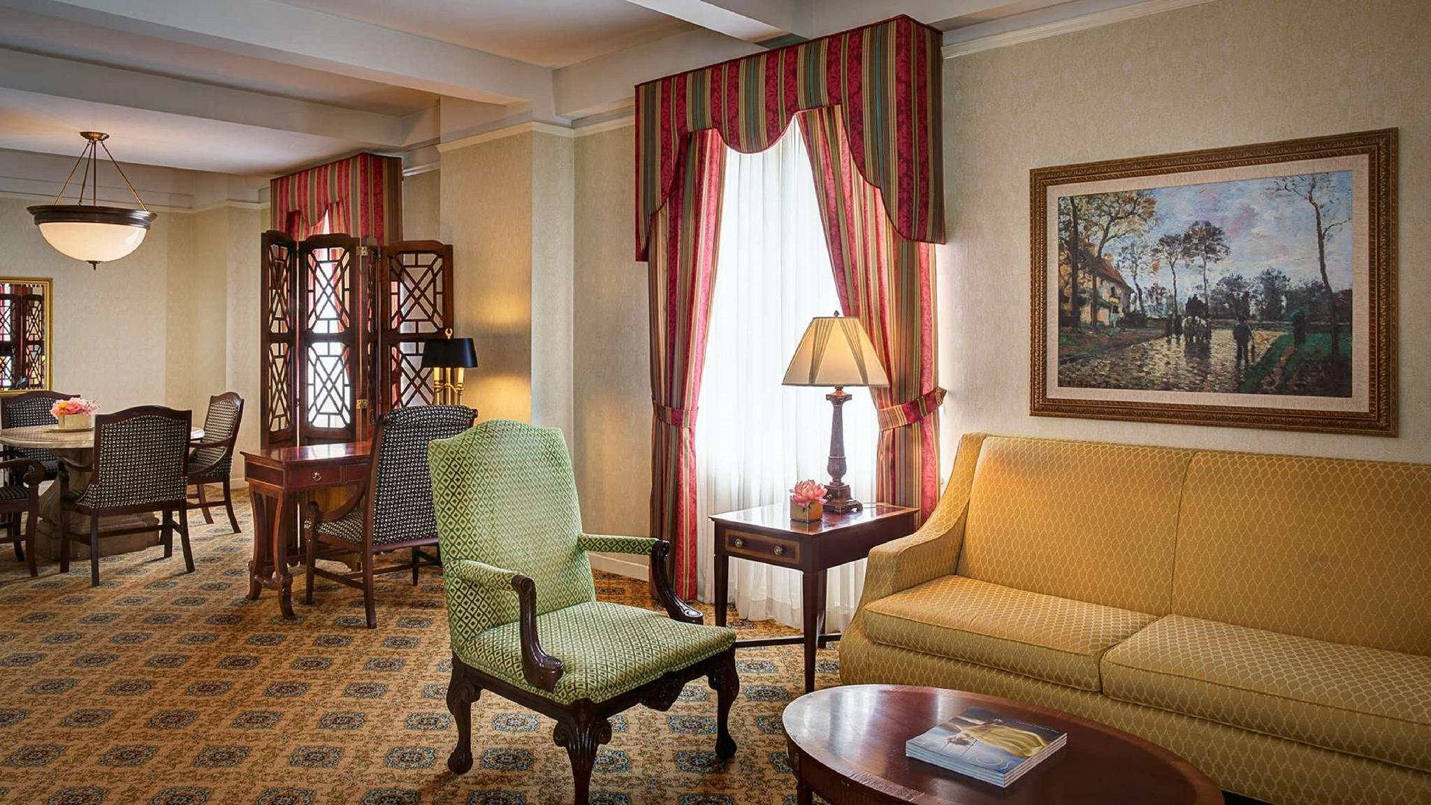 Amway Grand Plaza Curio Collection By Hilton Hotel Grand Rapids Mi Deals Photos Reviews