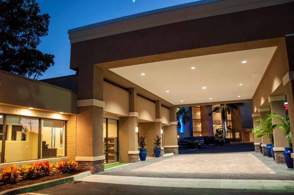 Lobby Best Western Fort Myers Waterfront