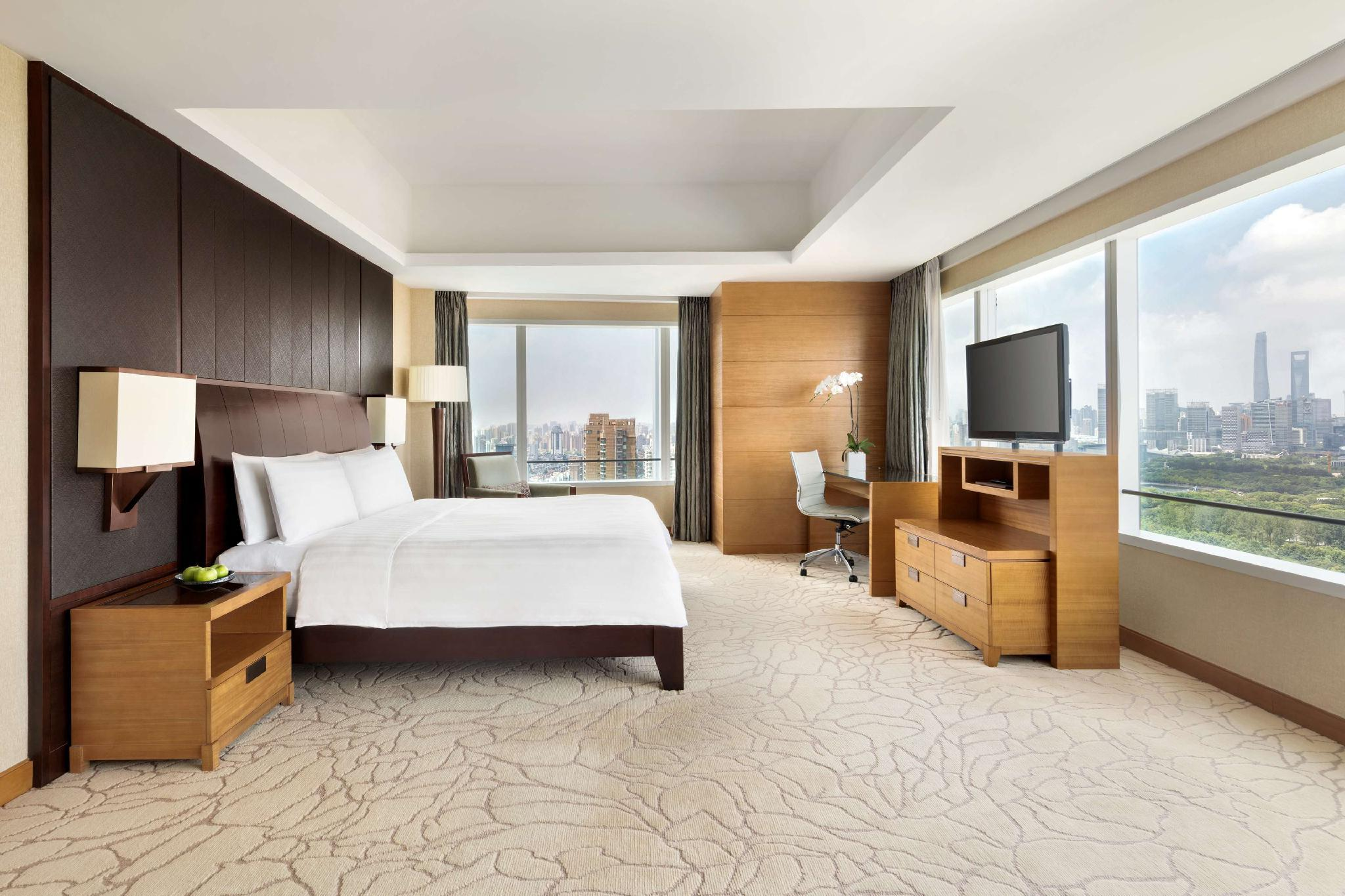Club Premier Room 2 Twin Beds