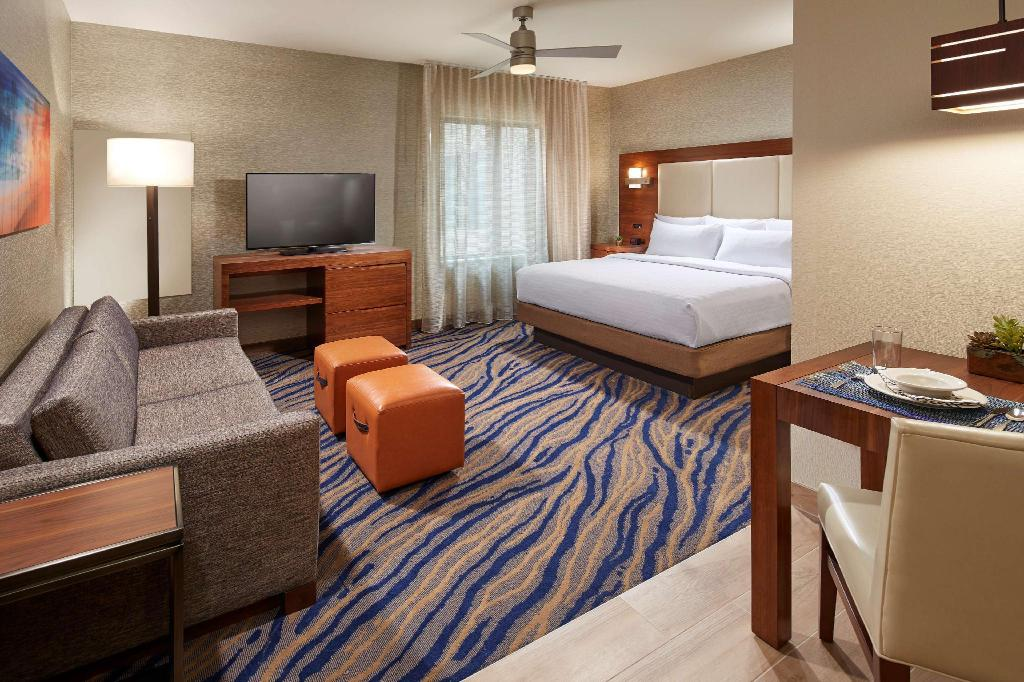 1 King Studio Suite Non-Smoking - Guestroom Homewood Suites by Hilton San Diego Mission Valley Zoo