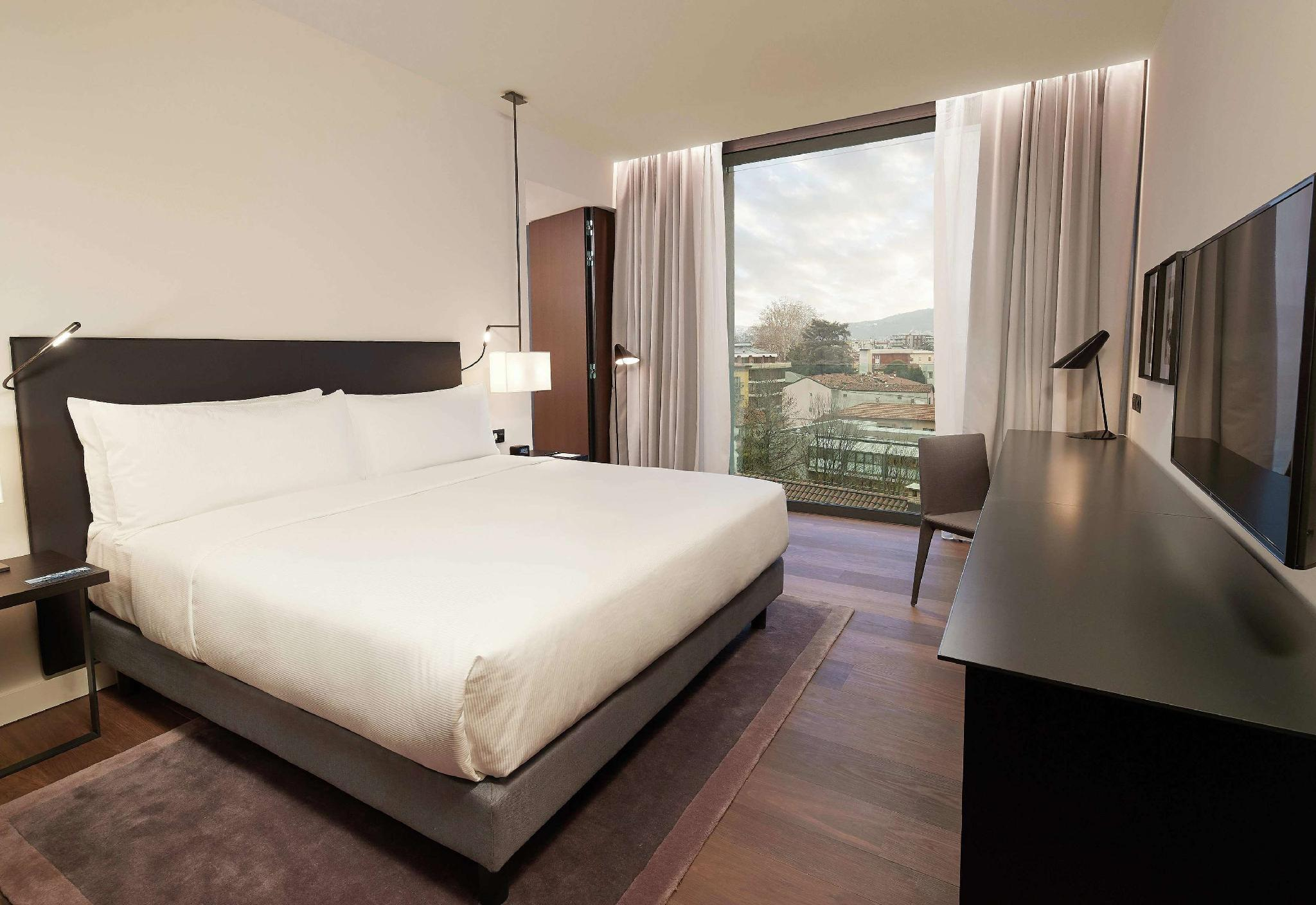 Hilton Lake Como In Italy Room Deals Photos Reviews