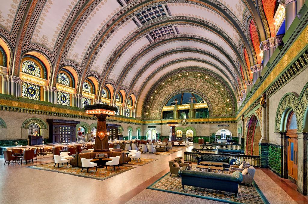 Lobby St. Louis Union Station Hotel Curio Collection by Hilton