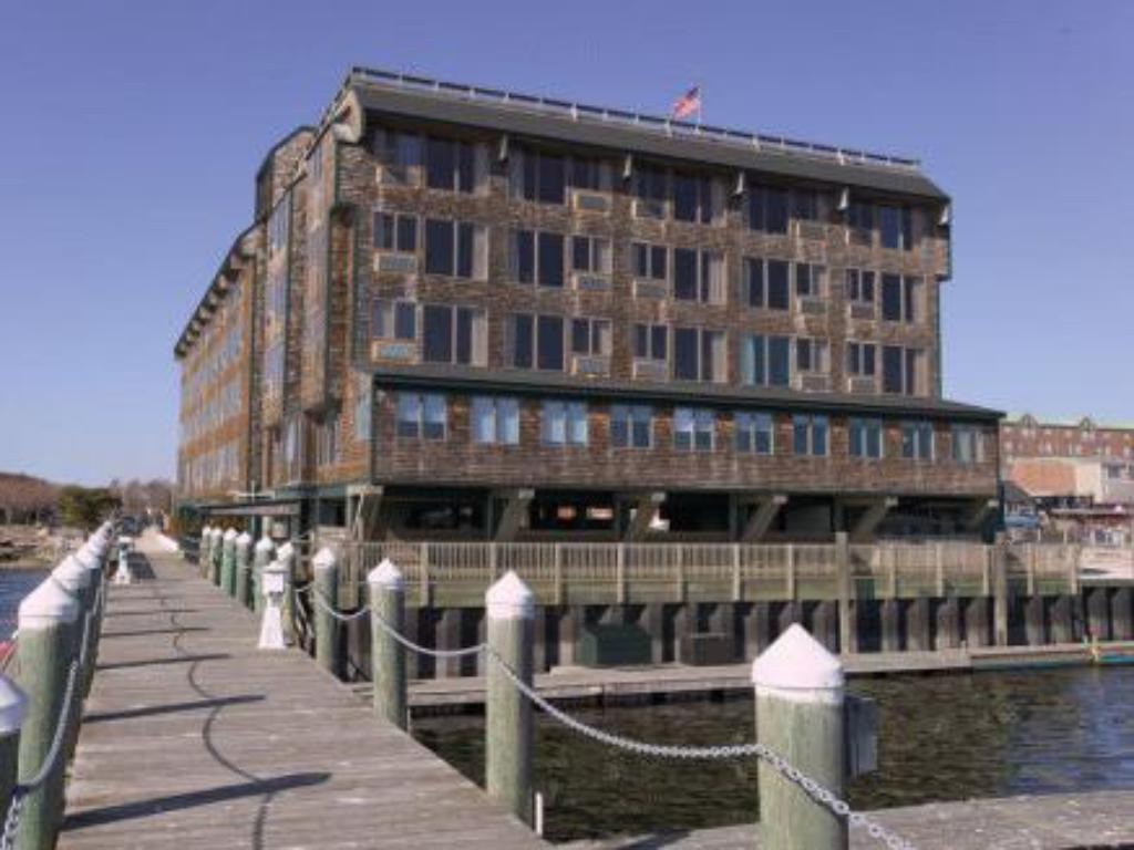More about Wyndham Inn on Long Wharf