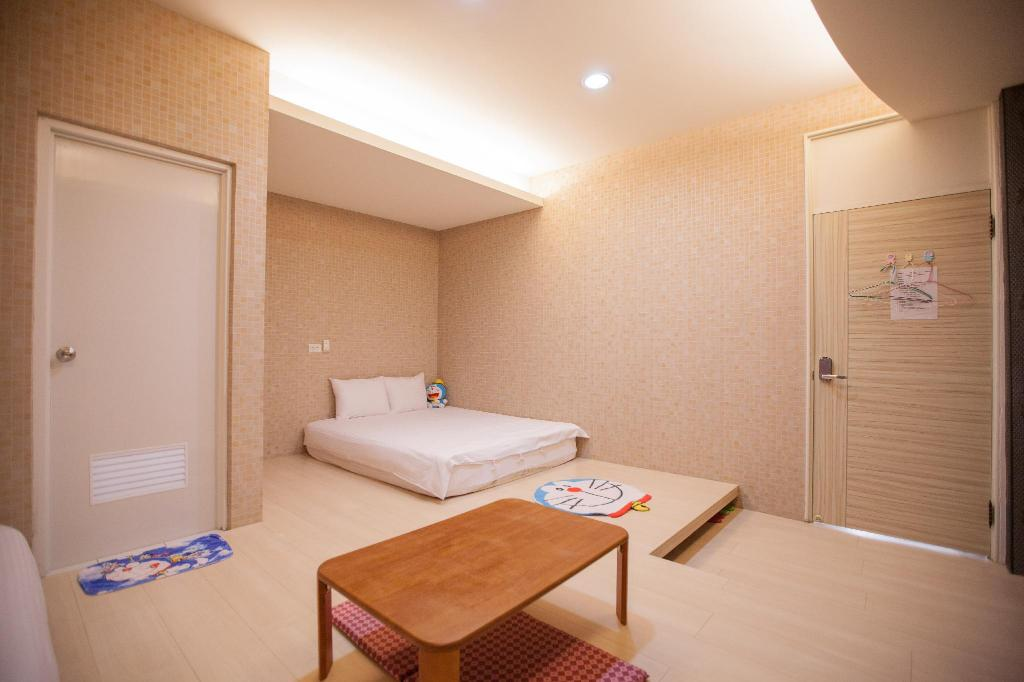 Guestroom Ejoysleep Quadruple Bedroom-Fengjia Night Market B