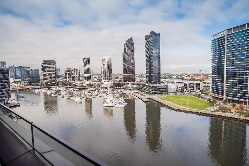 Book Melbourne Private Apartments - Collins Street ...