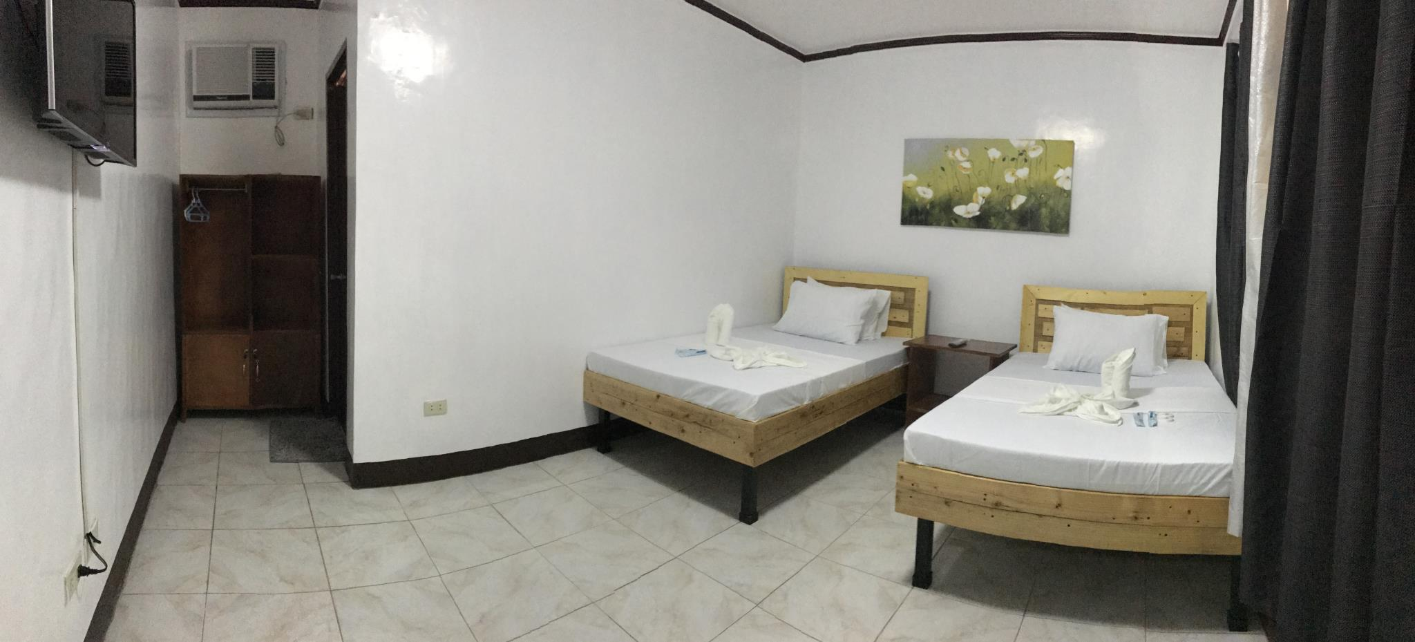 Family Room (2 Double Beds For 4 Persons)