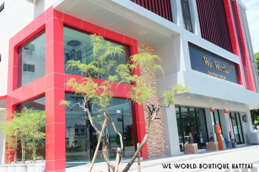 More about We World Boutique Haatyai