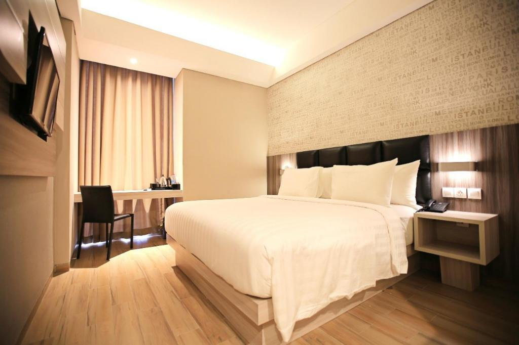 Deluxe Room - Guestroom Luminor Hotel Jambi