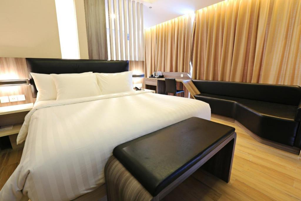 Guestroom Luminor Hotel Jambi
