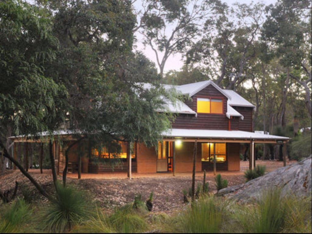 More about Goanna Woodstone Cottage