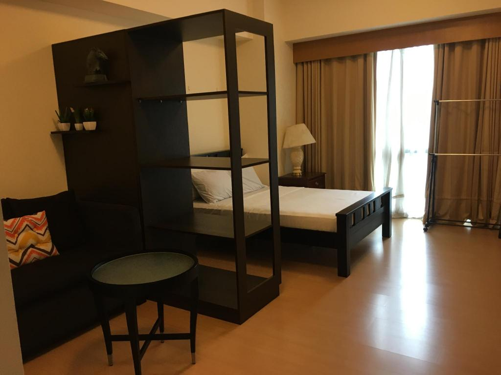 Fully Furnished Studio Suite 3 in Bonifacio Global City