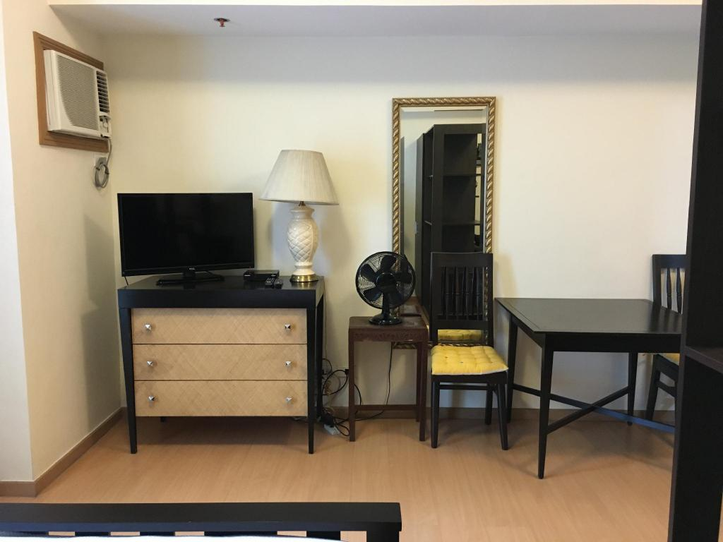 Interior view Fully Furnished Studio Suite 3 in Bonifacio Global City