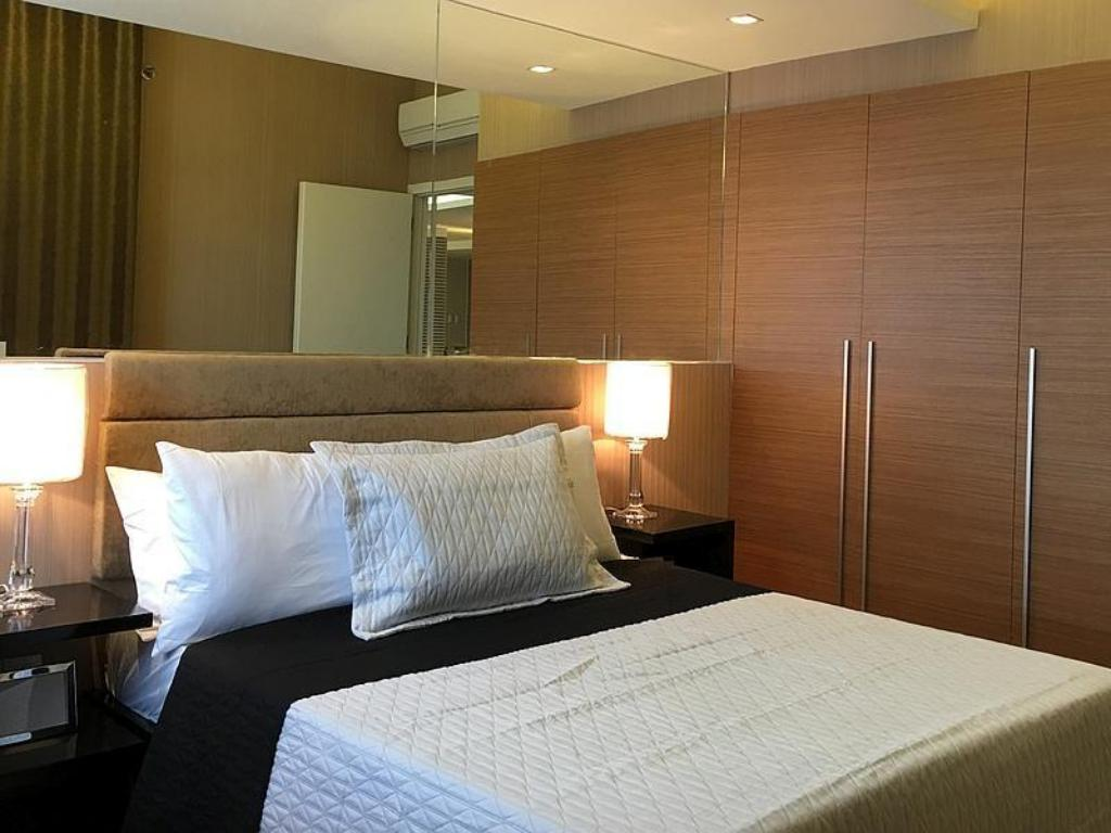 Interior view Shang Luxury Suites 2BR near One Shangri-la Mall, Mandaluyong