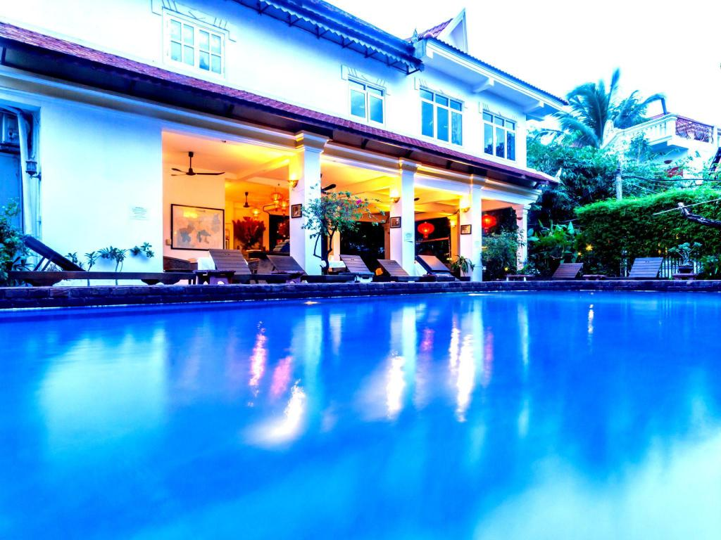 Swimming pool [outdoor] Villa Wat Damnak