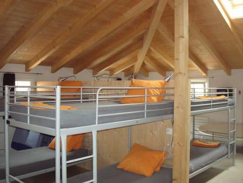 Single Bed in Mixed Dormitory Room (18-Beds)