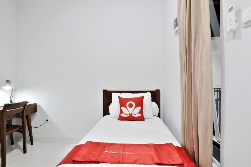 See all 6 photos ZEN Rooms Bintaro Sector 3