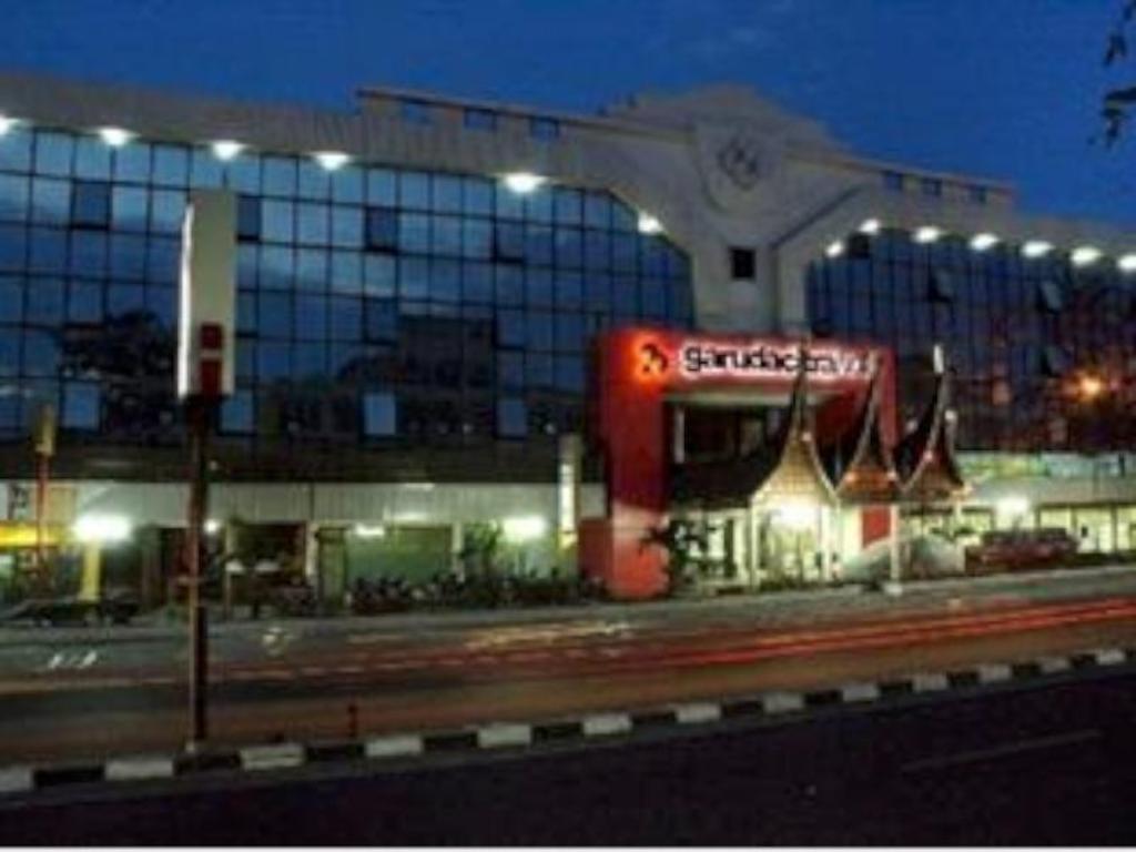 Best Price On Garuda Citra Hotel In Medan Reviews