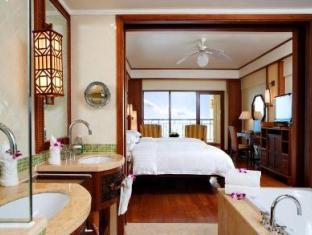 Grand Deluxe Sea View Room
