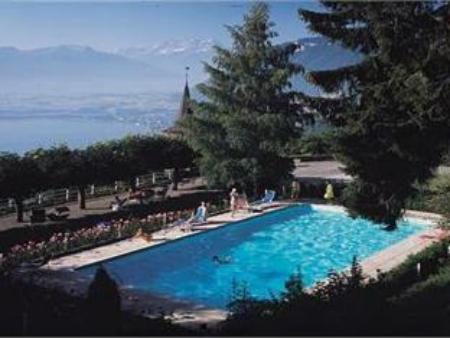 Swimming pool Hotel Victoria Glion