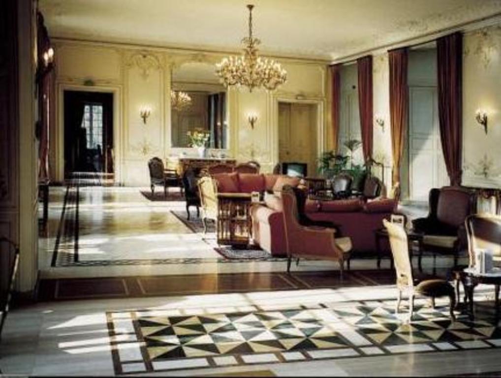 Deals On Chateau D Ermenonville In Nanteuil Le Haudouin