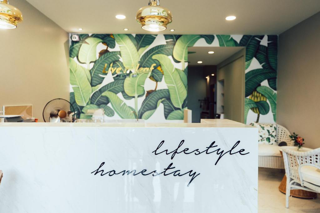 Hành lang Live n' Leaf life style homestay and cafe