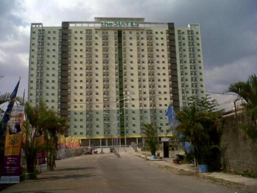 2BR 1 at The suite Metro Apartment - Prisma Utama