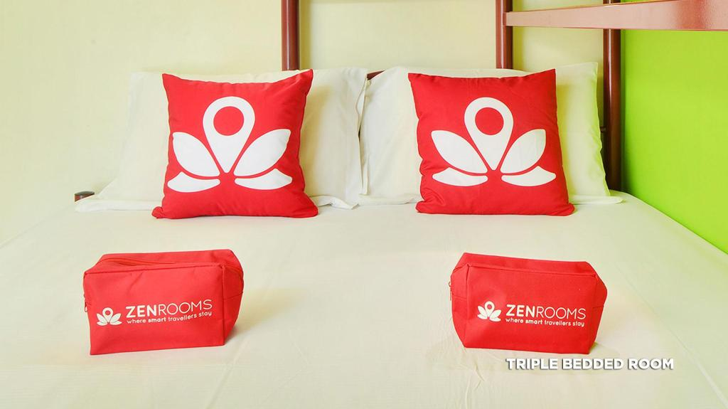 חדר טריפל עם חדר רחצה משותף - מיטה ZEN Hostel Serangoon Road
