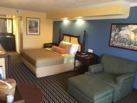 Deluxe King Room Rodeway Inn International Drive Orlando